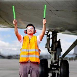 trabaja en el aeropuerto